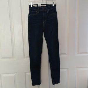 Nwt Levi's Mile High Rise Dark Wash Skinny Jean